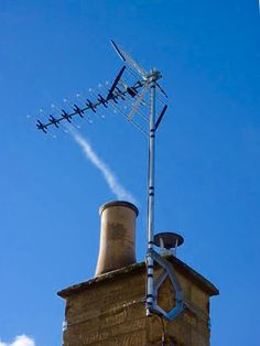 Aerials Gloucestershire call AKM Aerials on 0800 0122356 or 07825 913917 Tv Aerials, Akm, Cn Tower