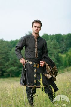 Natural Flax Tunic Elven Prince by armstreet on Etsy. And this for the groom.