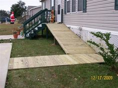 Wheelchair ramp wheelchairs and mobile homes on pinterest for Modular homes handicapped accessible