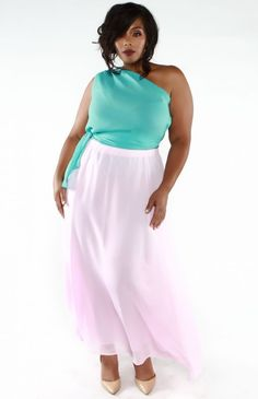 You Oughta Know: Plus Size Fashion Designer Wolé Designs http://thecurvyfashionista.com/2017/04/plus-size-fashion-designer-wole-designs/ This effortlessly ethereal two piece look is perfect for proms, weddings, or when you want to get in touch with your inner goddess!    Do you like timeless and fashionable clothing with just the right amount of flash? Then You Oughta Know Atlanta-based plus size designer, Wolé Designs!!