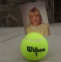 Tennis ball picture holder for the tennis loving FIL! This would work for table decorations at annual tennis party. Sport Tennis, Play Tennis, Tennis Ball Crafts, Tennis Decorations, Table Decorations, Tennis Party, Senior Gifts, Picture Holders, Grad Parties