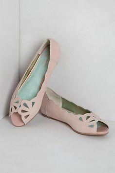 Hello, gorgeous! Mariposa Scalloped Peep-Toes | #Anthropologie