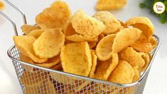Potato Crackers /Asian Style Potato Chips Recipe for kids by Tiffin Box Asian Potatoes, Style Asiatique, Super Rapido, Tiffin Box, Snack Recipes, Cooking Recipes, Ramadan Recipes, Chips Recipe, Beignets