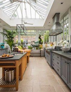 Best Conservatory Kitchen Ideas - Home Decor Design Kitchen Dining, Kitchen Decor, Kitchen Ideas, Kitchen Small, Sunroom Kitchen, Kitchen Cabinets, Kitchen Interior, Open Kitchen, Design Kitchen