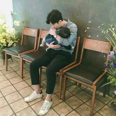 ulzzang kids by: Cute Asian Babies, Korean Babies, Asian Kids, Cute Babies, Baby Kids, Ulzzang Kids, Ulzzang Couple, Father And Baby, Baby Daddy