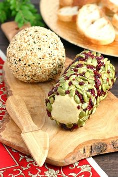 Cheese lovers rejoice! This Sharp Vegan Nut Cheese satisfies your cheesy cravings with its tangy and nutty flavor. It can even be formedinto logs or balls!