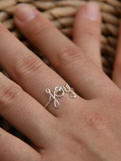 JOY - Strahle vor Glück!      Dieser individuelle Ring ist in liebevoller Handarbeit aus einem stabilen runden 925 Sterling Silber gebogen. Von KIZZU auf Dawanda, €21,90
