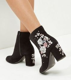 Wide Fit Black Suedette Embroidered Block Heel Boots
