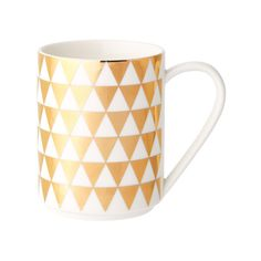 A La Carte Gold Mug, Triangle, 350ml ($10) ❤ liked on Polyvore featuring home, kitchen & dining, drinkware, gold cart and gold mug
