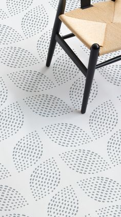 LVT/Vinyl Flooring Glade is a Leaf Pattern Vinyl Flooring design that features floral leaf-like shap Retro Vinyl Flooring, Vinyl Flooring Bathroom, Vinyl Sheet Flooring, Bathroom Vinyl, Kitchen Vinyl, Linoleum Flooring, Vinyl Tiles, Bathroom Grey, Kitchen Flooring