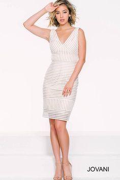 White V-Neckline Sleeveless Dress 42822