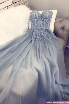 Blue sweetheart tulle long prom dress blue tulle formal dress Source by luluf. Blue sweetheart tulle long prom dress blue tulle formal dress Source by lulufreiday dress Grad Dresses, Prom Dresses Blue, Pretty Dresses, Prom Gowns, Dresses Dresses, Summer Dresses, Beautiful Dresses, Dress Prom, Long Tulle Dress