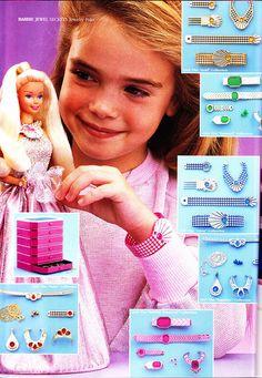 Jewel Secrets Barbie & her Jewellery Caché. I have the blue set!