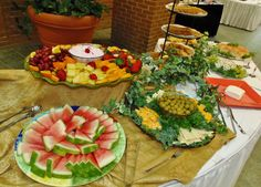 Part of buffet w/finger foods (fruit, cheese's, creackers, etc...)