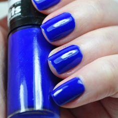 Esmalte azul cremoso Namorata da Hits Speciallità.