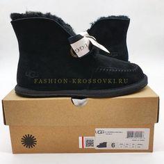 Угги UGG мини черные с помпонами цена от 5990 рублей Ugg Australia, Ugg Boots, Uggs, Shoes, Fashion, Moda, Zapatos, Shoes Outlet, Fashion Styles