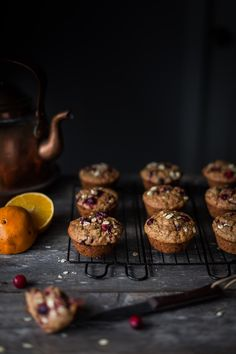 CRANBERRY CITRUS OAT MUFFINS | The Simple Green https://www.thesimplegreen.com/single-post/2018/01/23/CRANBERRY-CITRUS-OAT-MUFFINS