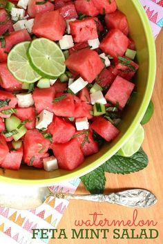 Watermelon Feta Mint Salad recipe -- Perfect for the Lamb Meatball Gyros with Mint Taziki! These simple ingredients come together in just minutes. This salad is perfect as a side dish for your next BBQ, picnic, or potluck! Healthy Salad Recipes, Healthy Snacks, Healthy Eating, Vegetarian Salad, Quinoa Salad, Fruit Salad, Mint Recipes, Summer Recipes, Ham Recipes
