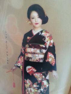 和装 Sari, Beauty, Fashion, Kimonos, Dress, Saree, Moda, Fashion Styles, Beauty Illustration