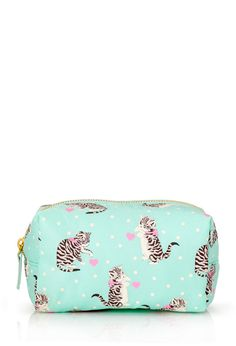 Cats & Dots Cosmetic Bag #F21Cosmetics Please someone buy me this!
