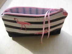 Trousse à maquillage tissus flamand rose et rayures + jeans +satin rose : Trousses par tresors-des-baines
