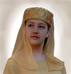 Toque and veil. http://www.eleanorofaquitaine.net
