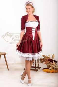 Folklore, Costumes Around The World, Future Clothes, Beautiful Costumes, Female Girl, Super Cute Dresses, Folk Costume, Hungarian Embroidery, Happy Girls