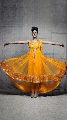 Dress indian ethnic ideas for 2019 Anarkali Dress, Pakistani Dresses, Indian Sarees, Indian Dresses, Indian Outfits, Anarkali Suits, India Fashion, Ethnic Fashion, Asian Fashion
