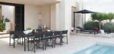 Outdoor Patio Ideas Black outdoor dining chairs Furniture Legs, Apartment Furniture, Furniture Design, Furniture Makeover, Outdoor Dining Chairs, Outdoor Rooms, Dining Room Design, Bricks, Refinished Table