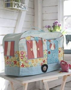 cute kitsch shabby chic sewing room essential Debbie Shore - Sewing Machine Dust Cover Pattern & Instruction Booklet summer caravan and bunting Easy Sewing Projects, Sewing Projects For Beginners, Sewing Hacks, Sewing Tutorials, Sewing Crafts, Sewing Ideas, Sewing Room Organization, Sewing Studio, Sewing Rooms