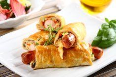 Parówki w cieście francuskim z warzywami przepis – Zobacz na przepisy.pl Zucchini, Fancy Desserts, Waffles, Side Dishes, Tacos, Food And Drink, Mexican, Salads, Chicken