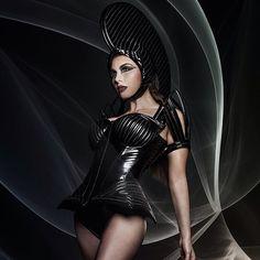 "95 Me gusta, 5 comentarios - Wearable Art Designer (@posh_fairytale_couture) en Instagram: ""Headdress and makeup by me #poshfairytalecouture corset by #tatjanawarneke #corsetry #cosplay…"""