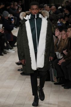 Burberry Fall 2016 Menswear collection