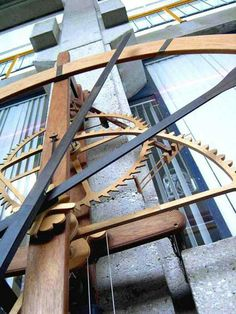 Nice site with wooden gear clocks Wooden Gear Clock, Wooden Gears, Wood Clocks, Woodworking Magazine, Fine Woodworking, Automata, Stairs, Sculpture, Watches