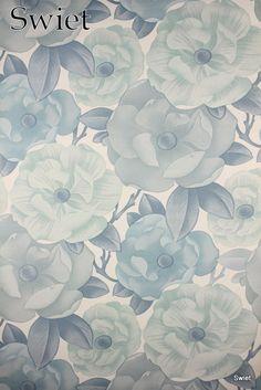 IJsblauw bloemenbehang | Swiet