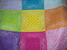 Bandanas to make this Awesome quilt! (I also think this would make great… Western Quilts, Barn Quilts, Bandana Quilt, Cowgirl Bedroom, Sewing Crafts, Sewing Projects, A Table, Picnic Tables, Western Theme