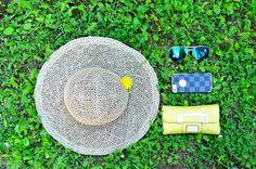 Summer essentials! #summerhat #guess #wallet #sunglasses #hat Globetrotter in Heels | http://globetrotterinheels.com