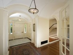 great layout-- stairs NOT in the entryway