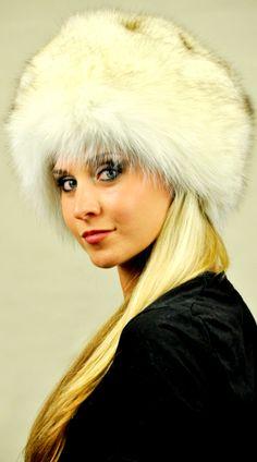 Cappello classico in autentica pelliccia di volpe della Gronlandia  www.amifur.it