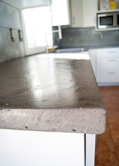 DIY Concrete Counters Poured Over Laminate