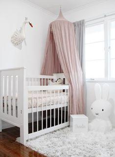 Ciel de lit bébé                                                                                                                                                                                 Plus