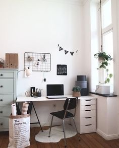 9 Refreshing Hacks: Minimalist Home Decorating Wood minimalist interior design natural.Minimalist Home Plans Interiors minimalist bedroom apartment colour.Cosy Minimalist Home Living Rooms. Decor Room, Home Decor Bedroom, Living Room Decor, Diy Home Decor, Dining Room, Design Bedroom, Master Bedroom, Diy Bedroom, Bed Design