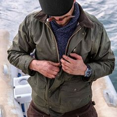 Filson — The Mile Marker is made with an oil finish Cover. Barbour Jacket, Bomber Jacket, Komplette Outfits, Fashion Outfits, Fashion Ideas, Wax Jackets, Rugged Style, Outdoor Men, Gentleman Style