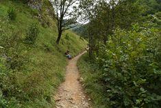 Passerelle d'Holtzarte - La passerelle d'Holzarte est un classique et ilne faut pas y aller en plein été, le parking n'est pas particulièrement grand. Le Parking, Blog Voyage, Country Roads, Basque Country, Classic