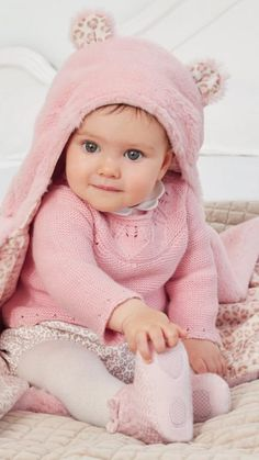 Cool Baby, Cute Baby Boy, Cute Little Baby, Cute Kids, Cute Babies, Discount Kids Clothes Online, Baby In Snow, Baby Snowsuit, Baby Pullover