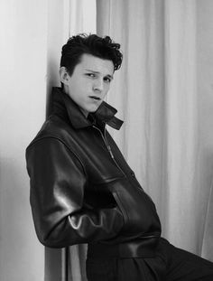 """lostparker: """"tom holland for gq style - fall/winter 2019 """" mamaaaaaa ouhouhouuui Gq Magazine Covers, White Toms, Tom Holland Peter Parker, Black And White Aesthetic, Tommy Boy, Gq Style, Dream Boy, Cute Memes, Cutest Thing Ever"""