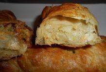Πατατόπιτα – Η αγαπημένη πίτα της νηστείας Greek Recipes, Pie Recipes, Deserts, Food And Drink, Potatoes, Bread, Cheese, Snacks, Chicken
