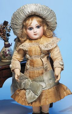247: VERY EARLY FRENCH BISQUE PREMIERE BEBE BY JUMEAU W : Lot 247