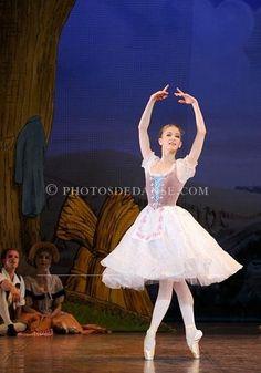 Myriam Ould Braham in la fille mal gardée of Frederick Ashton, new principal of paris opera ballet.    myriam ould braham  dans la fille mal gardée de Ashton qui vient d'être nomée étoile dans ce ballel à l'opéra de paris