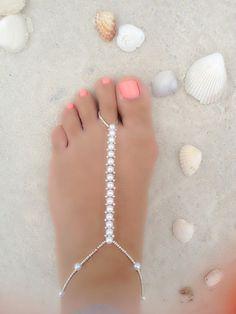 diy ankle bracelets Hand made ankle bracelet's and toe rings! Ankle Braclets, Silver Ankle Bracelet, Ankle Jewelry, Body Jewelry, Foot Bracelet, Initial Bracelet, Jewelry Model, Leather Jewelry, Diy Barefoot Sandals